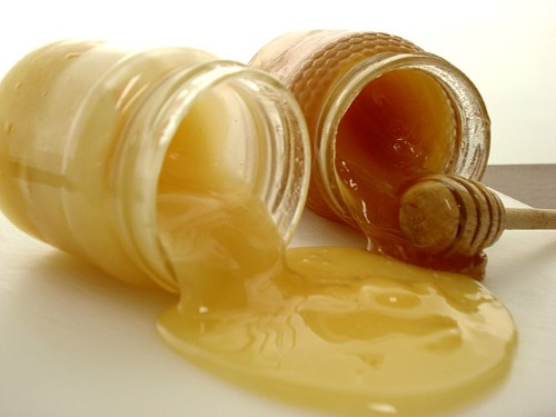 8 Best Homemade Natural Conditioners for Hair Problems 9
